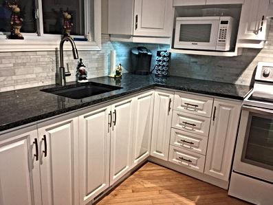 Restauration , Gatineau , Cabinet, armoire , cuisine , rénovation , thermoplastique , Gatineau , Ottawa, Outaouais, resurfacage , modernisation, plancher, céramique,économique, écologique, comptoir , Refacing , bois