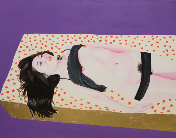 On her bed 2013 huile et feuille d'or sur toile /oil and gold leaf on canvas 114x146 cm