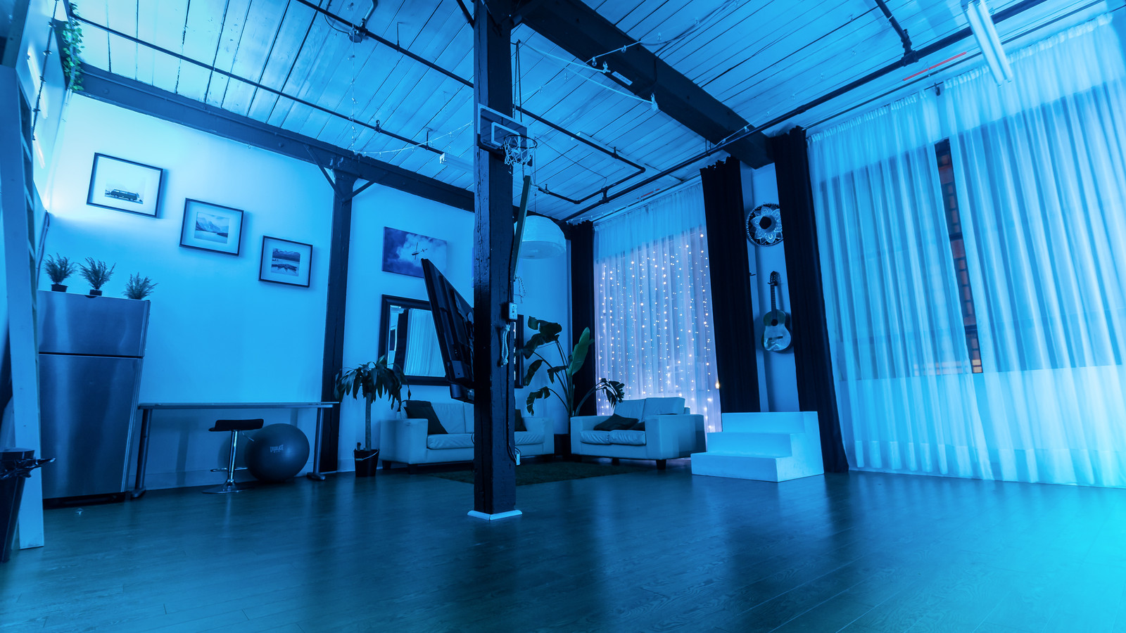 THAT Toronto Studio Photography Rental Space | Leslieville\'s Best!