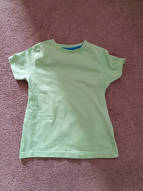 4 to 5 years green  t shirt