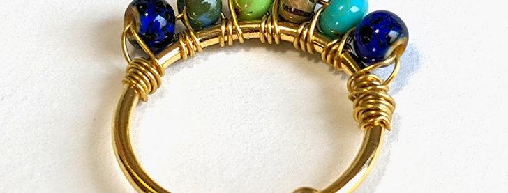Bague avec couronne de perles