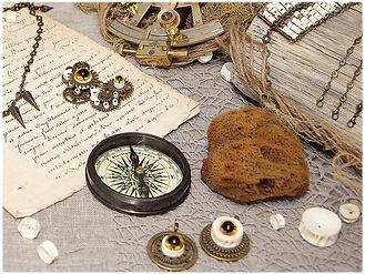 perles en vertebres de poisson, perles ethniques, bijoux fait main en france, slow fashion, perles africaines, perles recyclées, perles upcyclées, traditionnelles, ethniques, sénégalaises, naturellles, bijoux steampunk, goth, gothique, victorien, edwerdien, industriel, vintage, rétro, grunge, punk, engrenages, rouages, mécanique, pointes de métal, oeil de verre, mauvais oeil, ésotérique, poétique, Jules Verne, sous la mer, perles en os, ostéologie, vulture culture, perles naturelles