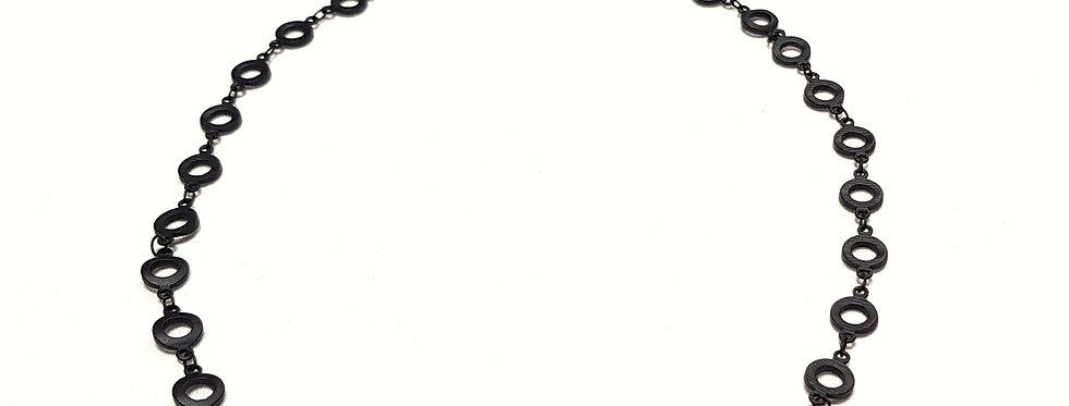 Tour de cou aux maillons 'rondelles', couleur or, argent, bronze ou noir