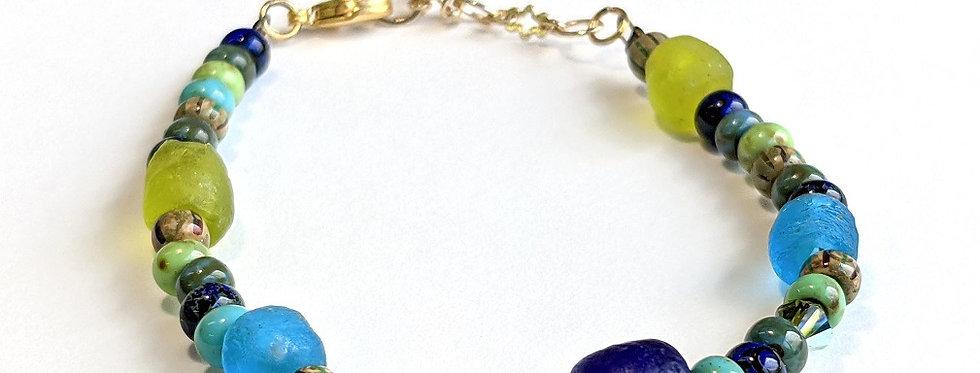 Bracelet aux cinq perles translucides
