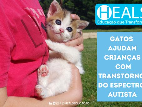 GATOS AJUDAM CRIANÇAS COM TRANSTORNO DO ESPECTRO AUTISTA.