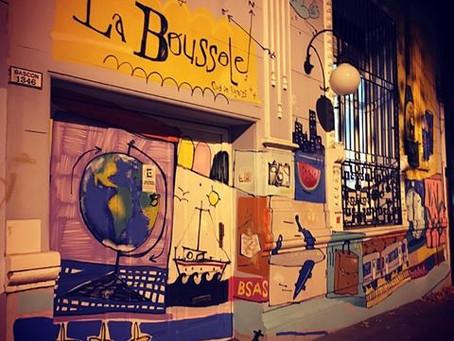 La Boussole: Un punto de encuentro para viajeros de todo el mundo