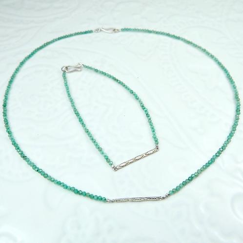 Sundar necklace in silver and jade