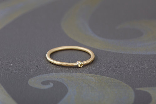 18ct yellow gold ring with citrine