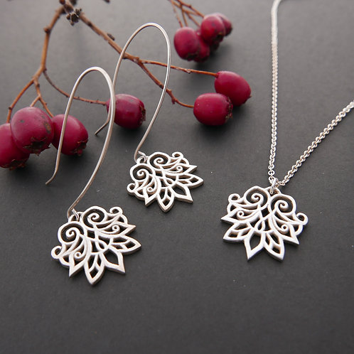 Anahita 1 silver necklace