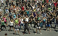 112857-1_largest_simultaneous_flash_mob_