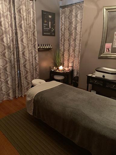 massage room Salon Monique.jpeg