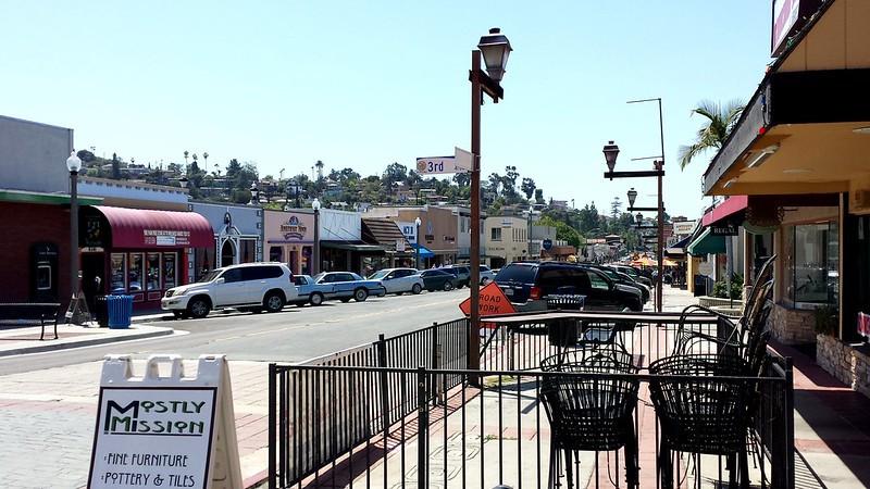 Downtown La Mesa Pet-Friendly San Diego
