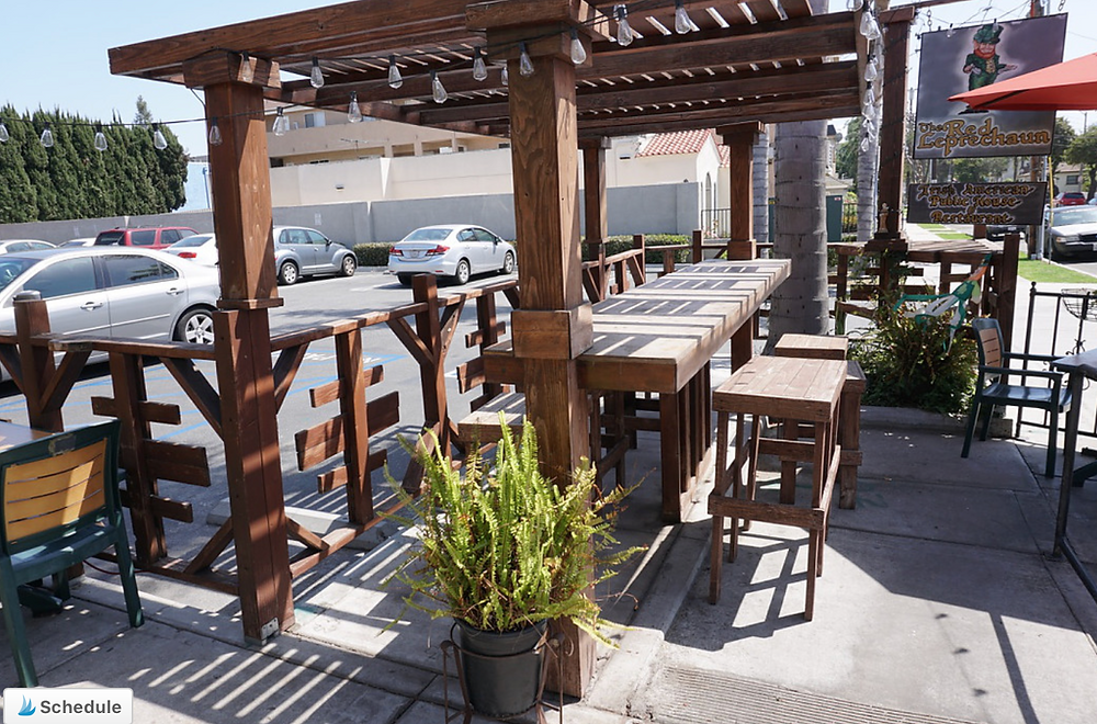 pet-friendly restaurants in Long Beach - the red leprechaun's dog-friendly patio