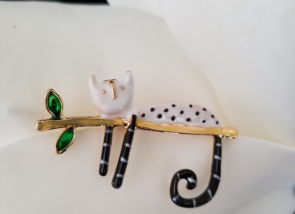 The Cute Cat Brooch