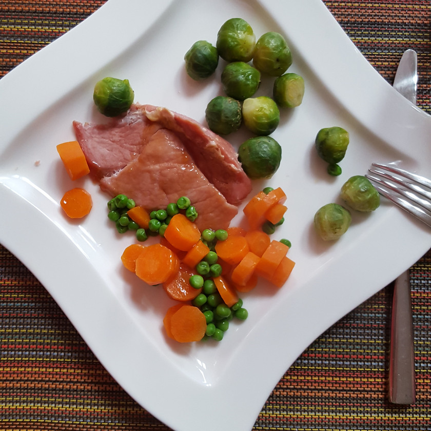 Ham with mixed vegetables. A complete hit with my children.