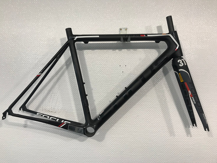 Focus Izalco Max Carbon Di2