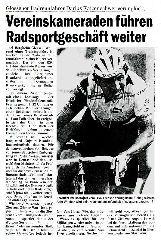 Vereinskameraden führen Radsport...