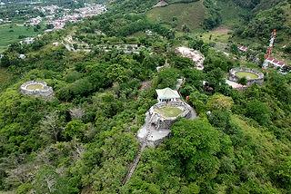 Benteng Otanaha (2).sm.jpg