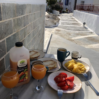 guests_breakfast.jpg