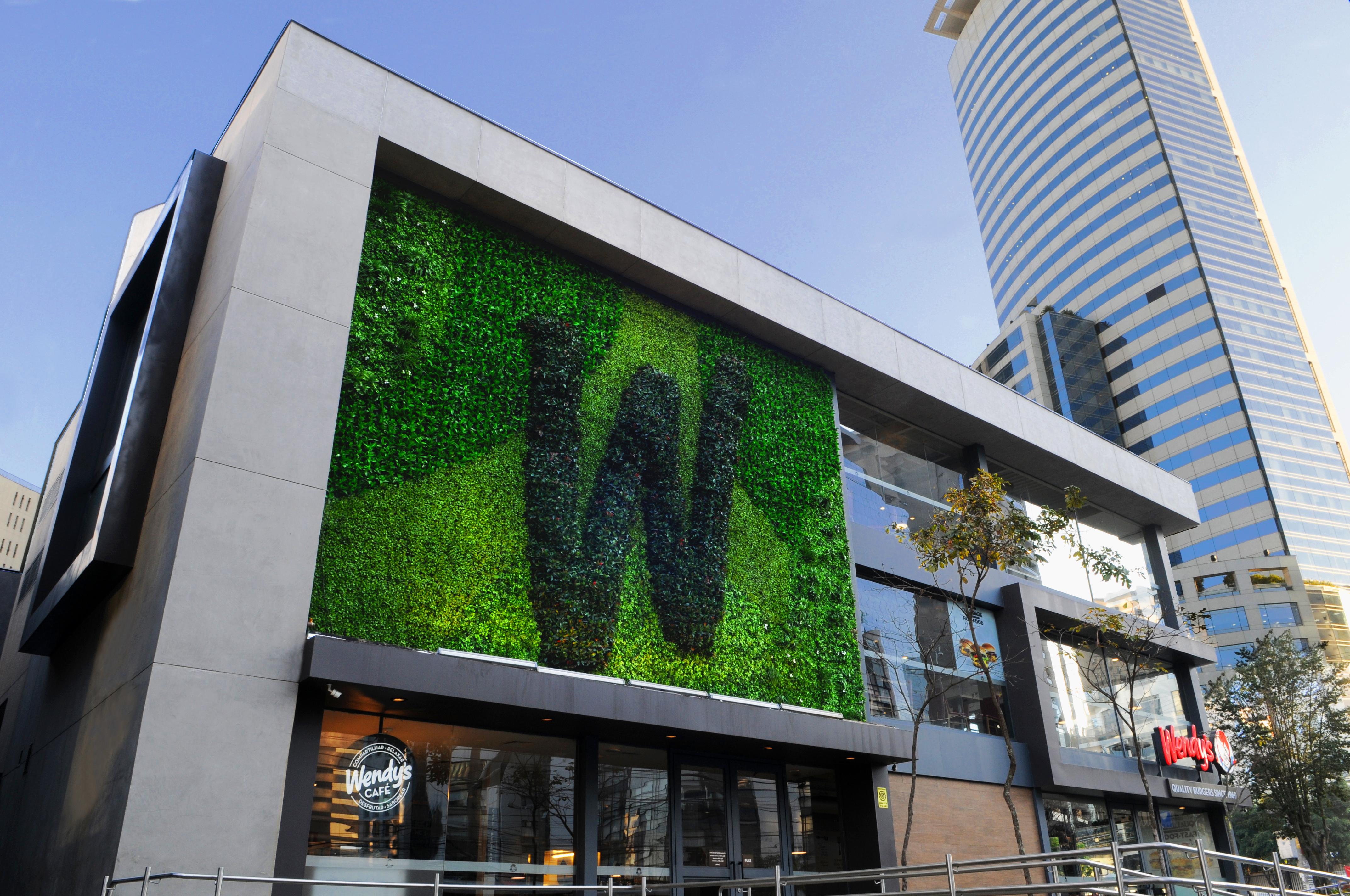1_Vertical_Garden_-_Wendy's_-_DSC_8571_-