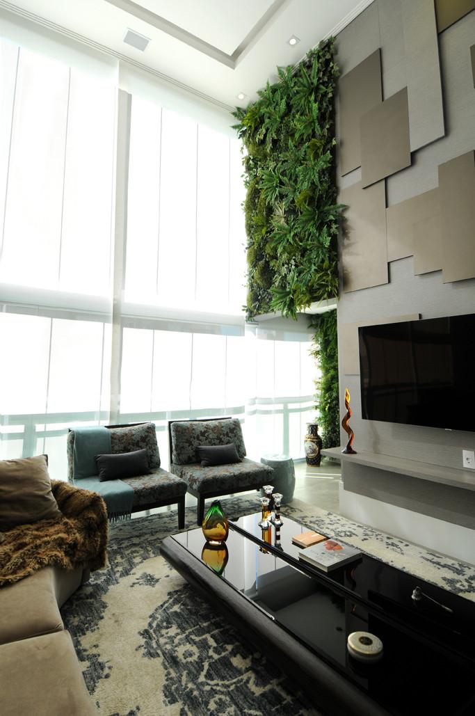Painel de Jardim Vertical em pé direito do Apartamento