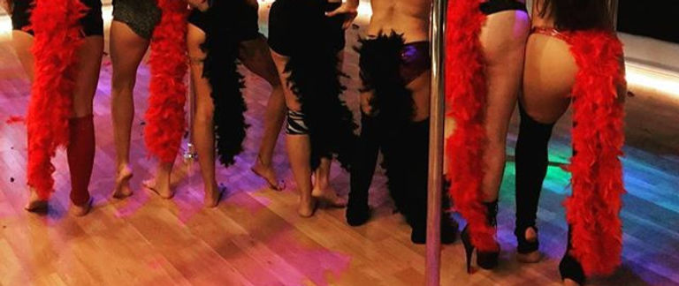 Our Burlesque Babes posing after their k