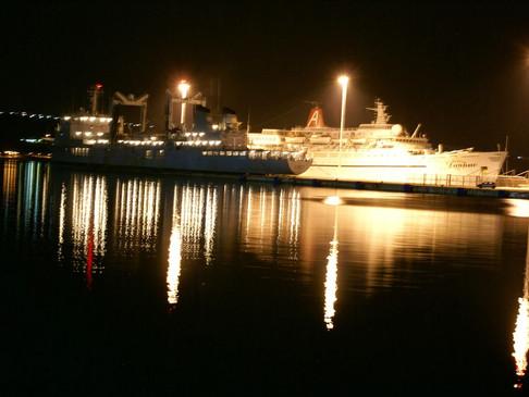 Δεν βγαίνουν πλέον από τα πλοία τα πληρώματα των πολεμικών σκαφών που δένουν στο Ναύσταθμο Κρήτης