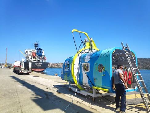 Εντυπωσιακή η προσομοίωση πτώσης ελικοπτέρου στο λιμάνι της Σούδας.