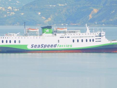 Το Olympus εκτάκτως στο λιμάνι της Σούδας
