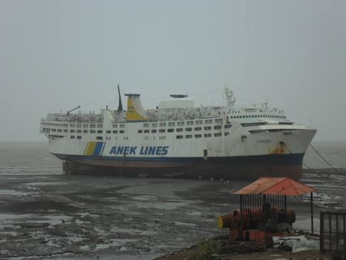 """Το τελευταίο αντίο του ιστορικού πλοίου της ΑΝΕΚ """"ΛΙΣΣΟΣ"""" έγινε στην Alang της Ινδίας."""