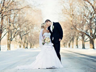 Winter Weddings | Embrace the Cold