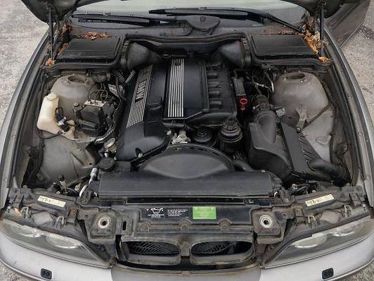 2003 BMW 528IT 8.jpg