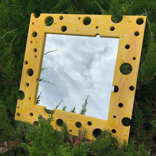 "Зеркало ""Cheese"". Цена 150 рублей."