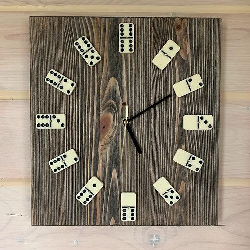 "Часы ""Domino"". Цена 59 рублей."