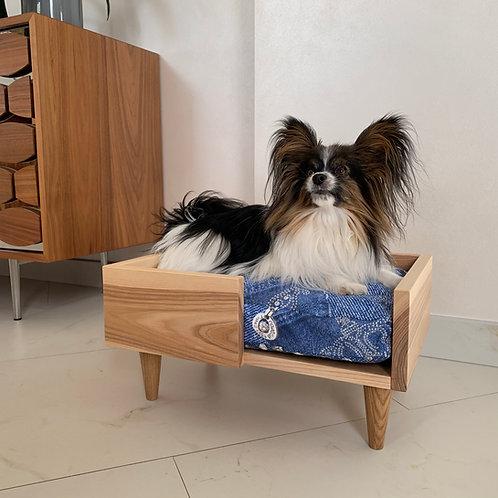 """Лежанка для собак и кошек """"Classic S"""". Цена 135 рублей."""