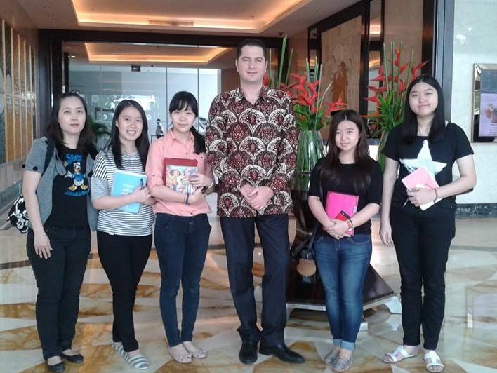 Raffles Medan students with JW Marriot Medan F&B Director From left: Murni, Stephanie, Felicia, Mr. Orhun Denizoglu (F&B Director), Natasha, Edeline