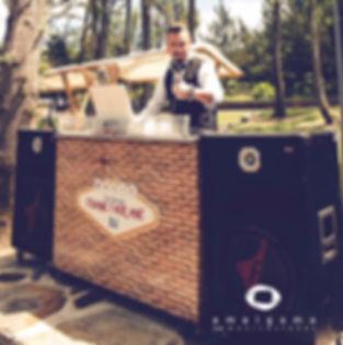 EQUIPO DJ APERITIVOS BODAS