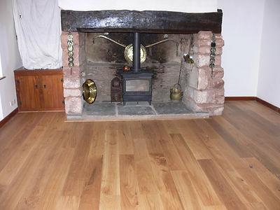 Engineered floorboards in character grade oak