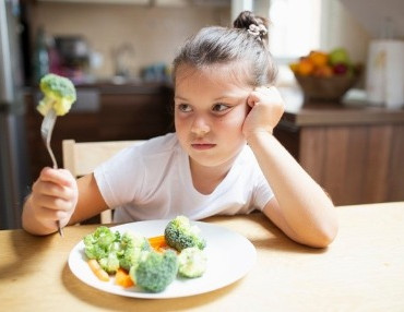 What to do if your child is a fussy eater?                 7Effective ways make your kid eat better