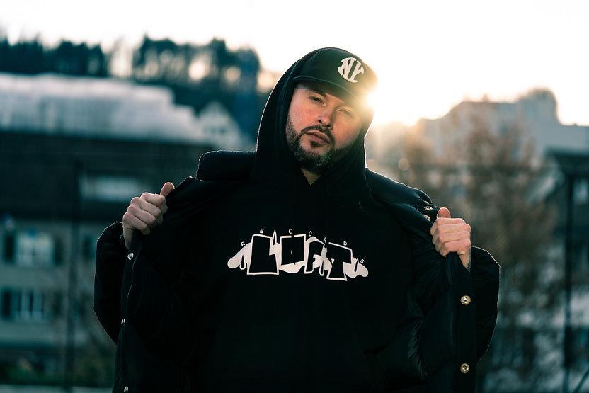 hoodie.black-29 Kopie 2.jpg