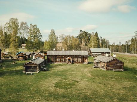 DelsboForngård-flyg1.jpg