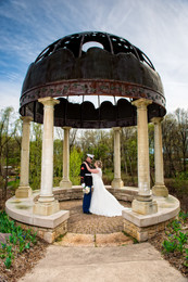 Gazebo Wedding Portrait at Green Bay Botanical Garden