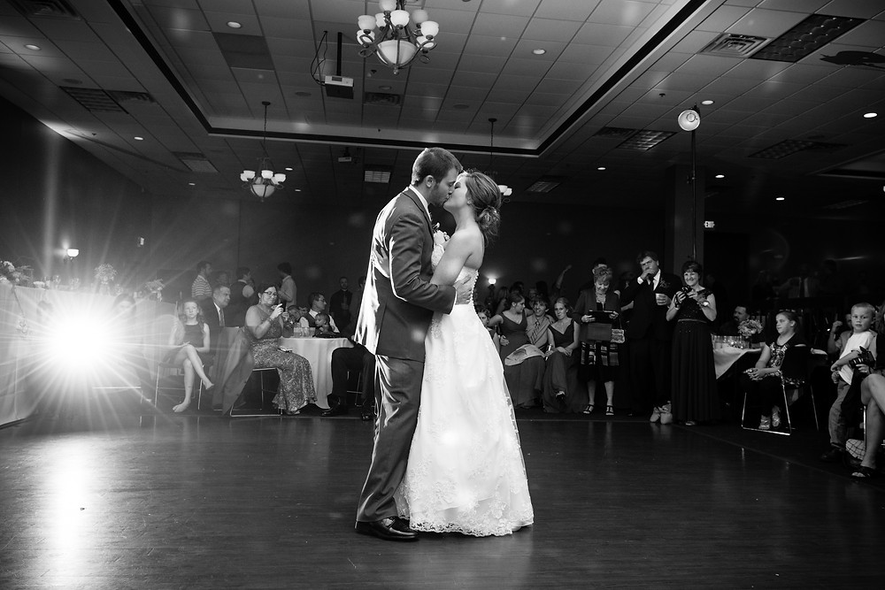 Swan Club Green Bay Wisconsin Wedding Photographer Lanari Photography