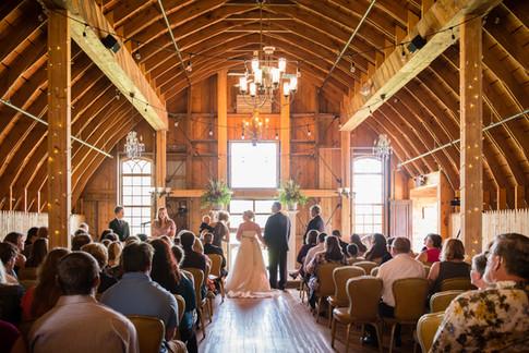Tryba's Country Barn Wedding | Lanari Photography