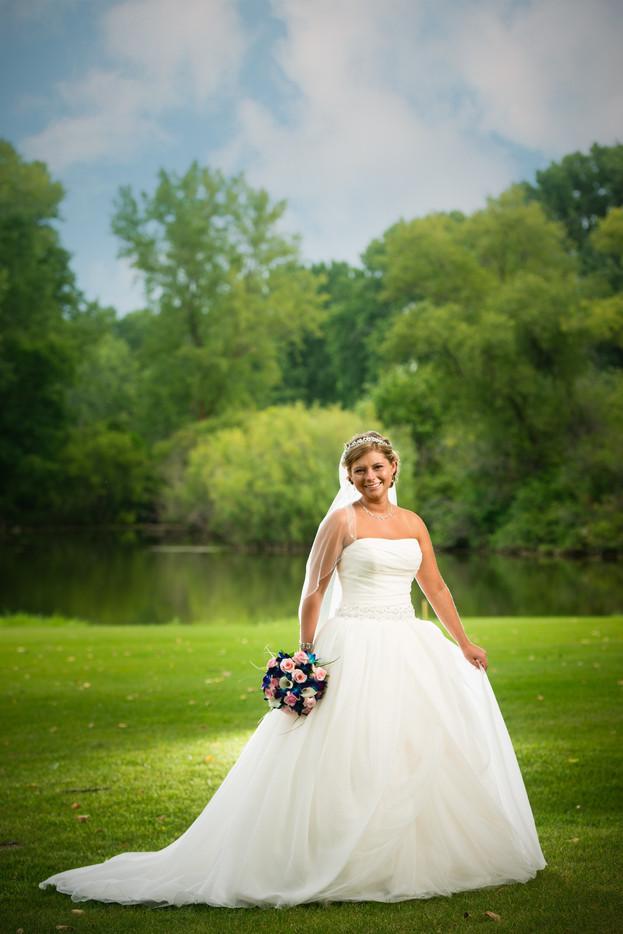 Summer Bride Portrait High Cliff State Park