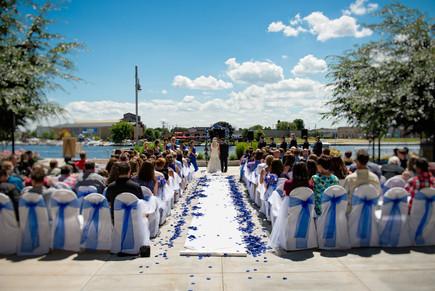 Beckets Oshkosh Summer Wedding | Lanari Photography