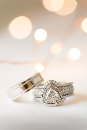 Wedding Rings with Triangle Diamond and Twinkle Lights