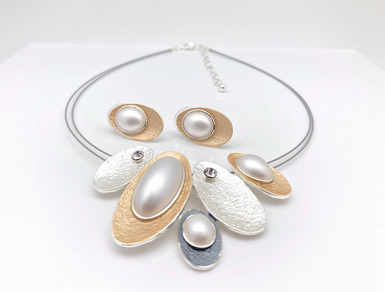 #69 Classic Wagashi Necklace and Earrings Set