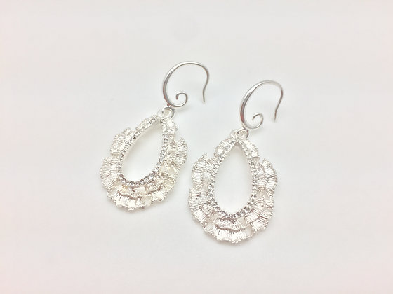 ES48 Silver Sparkling Lace Brocade Earrings