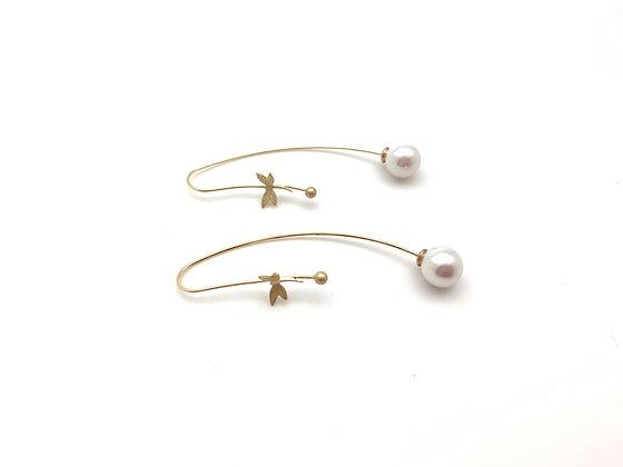 EG435 Gold Tombo Pearl Swing Earrings